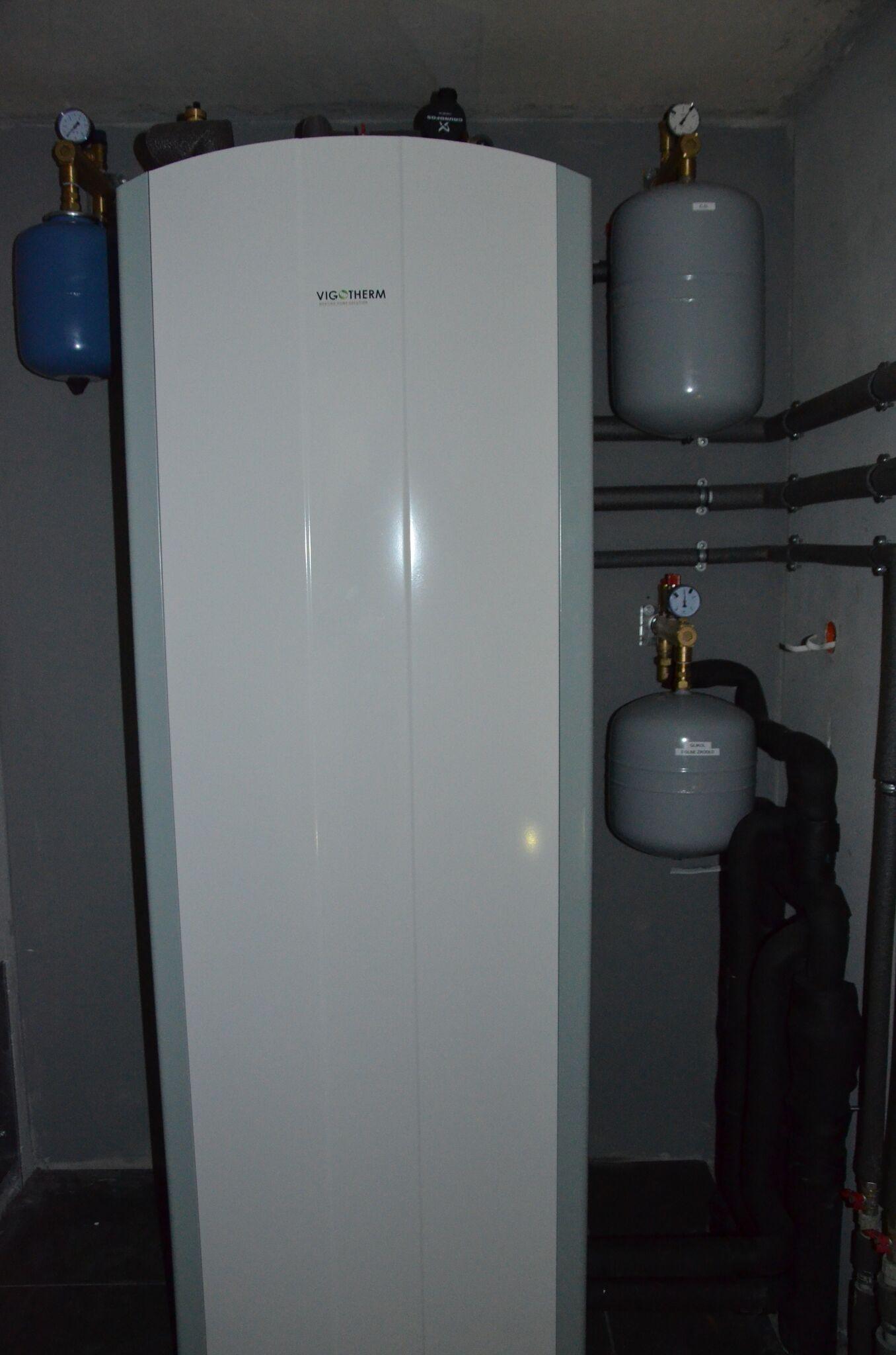 Instalacja pompy ciepła Vigotherm w Kowalewie Pomorskim